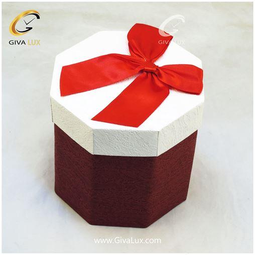 جعبه کادویی قرمز رنگ 8 ضلعی بند دار