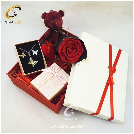 پک کادویی شامل گل خرس بنفش قلب نیم ست پروانه جعبه