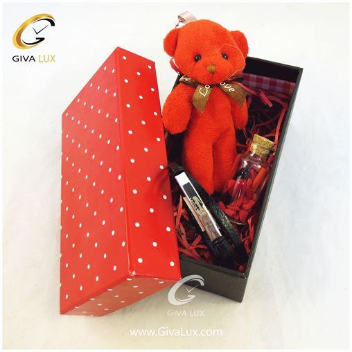 پک کادویی شامل خرس قرمز شیشه تزئینی جعبه دستبند اسپرت